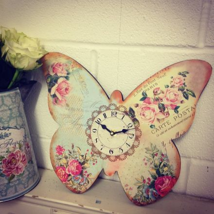 40% off Butterfly Shaped Vintage Floral Clock